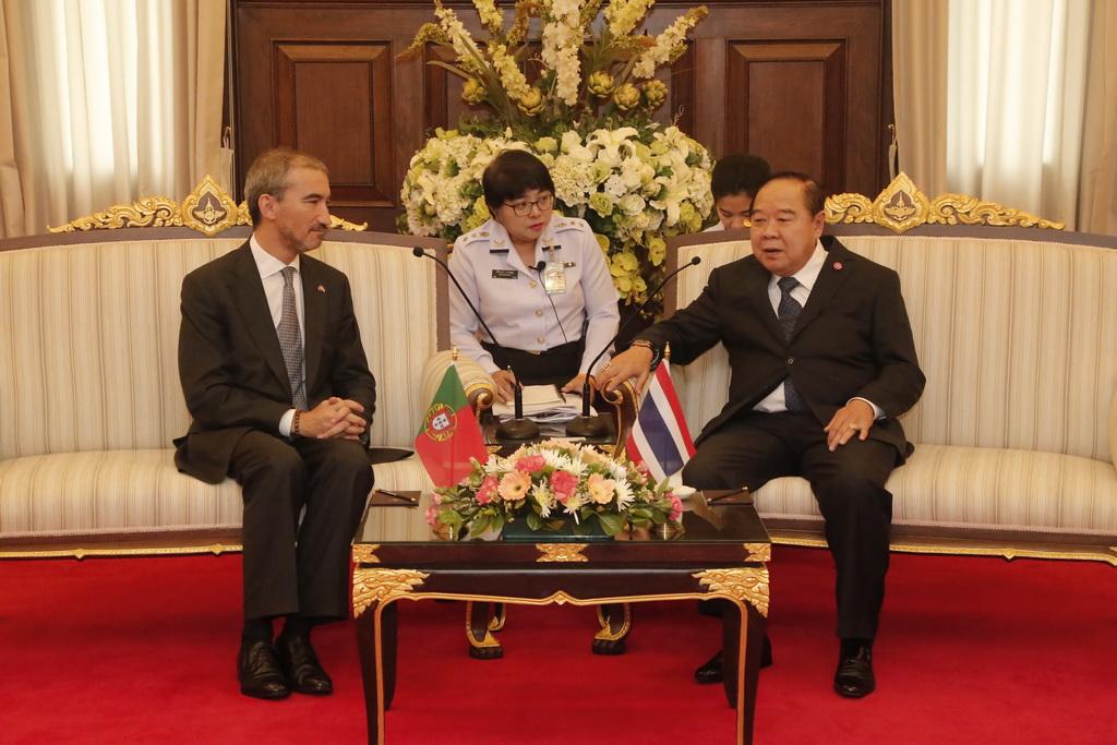 ออท.สาธารณรัฐโปรตุเกสประจำประเทศไทย เข้าเยี่ยมคำนับ รอง นรม. และ รมว.กห.