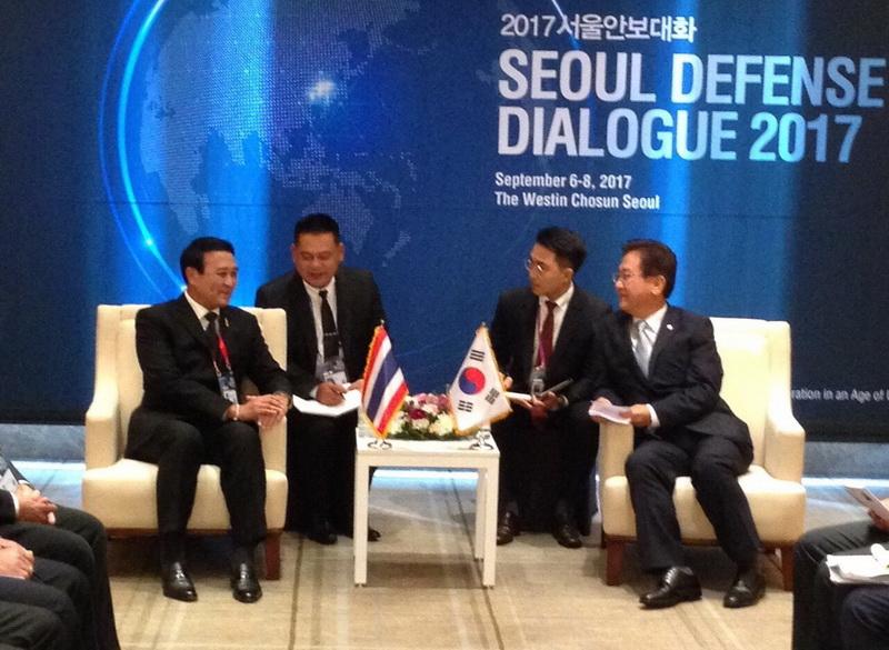 พล.อ.อุดมเดช สีตบุตร รมช.กห. ได้หารือทวิภาคีกับ นาย Suh Choo Suk รมช.กห. เกาหลีใต้