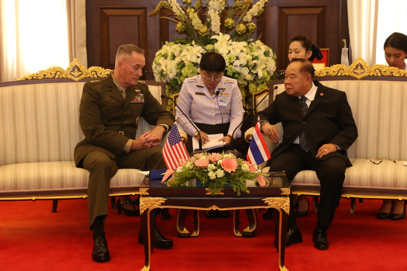 รอง นรม. และ รมว.กห. ต้อนรับการเข้าเยี่ยมคำนับของ. ประธานคณะเสนาธิการร่วม กองทัพสหรัฐอเมริกา ยืนยันสนับสนุนความร่วมมือทางทหารระหว่างกัน เพื่อความสงบของภูมิภาค