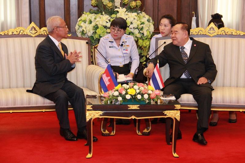 เอกอัครราชทูตราชอาณาจักรกัมพูชา เข้าเยี่ยมคำนับ  รองนายกรัฐมนตรี และรัฐมนตรีว่าการกระทรวงกลาโหม