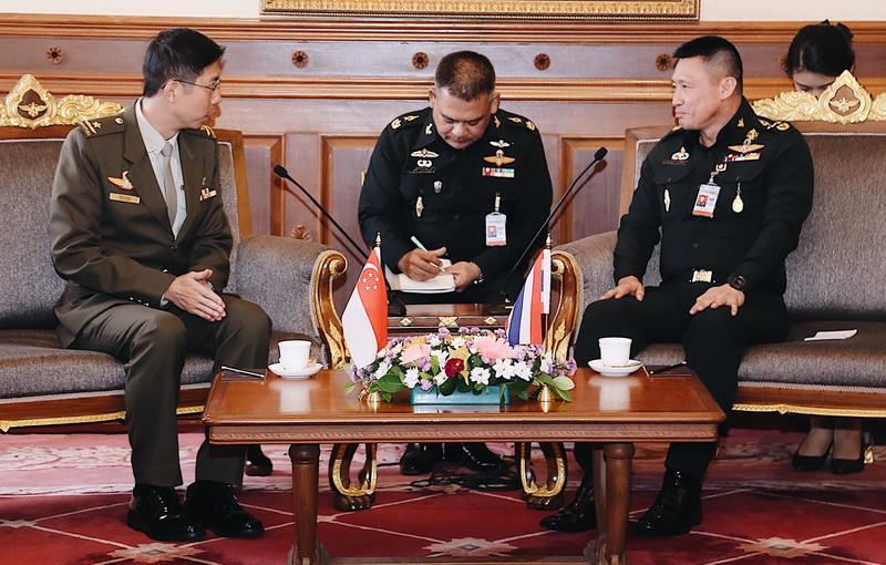 ผบ.ทบ.สาธารณรัฐสิงคโปร์ และคณะ เข้าเยี่ยมคำนับ พล.อ.เทพพงศ์ ทิพยจันทร์ ปล.กห.