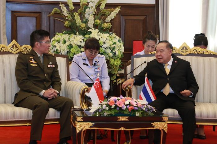 รอง นรม.และ รมว.กห. ให้การต้อนรับการเยี่ยมคำนับของ ผู้บัญชาการทหารสูงสุดสาธารณรัฐสิงคโปร์