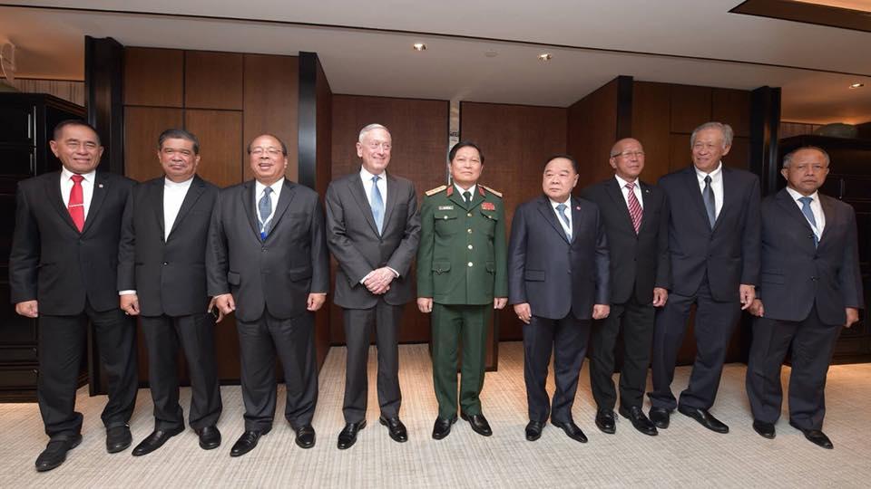 การประชุมรัฐมนตรีกลาโหมอาเซียน – สหรัฐฯ อย่างไม่เป็นทางการ ณ สาธารณรัฐสิงคโปร์