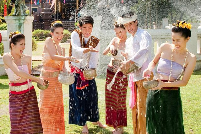 ประเพณีสงกรานต์ของไทย