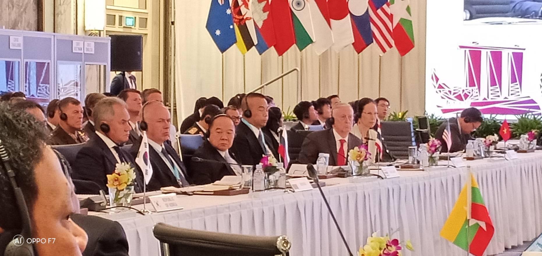 กห.อาเซียน ประชุมร่วมกับ กห.ประเทศคู่เจรจา เห็นพ้องรับรองแถลงการณ์ร่วมกัน ในความร่วมมือด้านการต่อต้านการก่อการร้าย และ ด้านการสร้างความไว้เนื้อเชื่อใจร่วมกัน