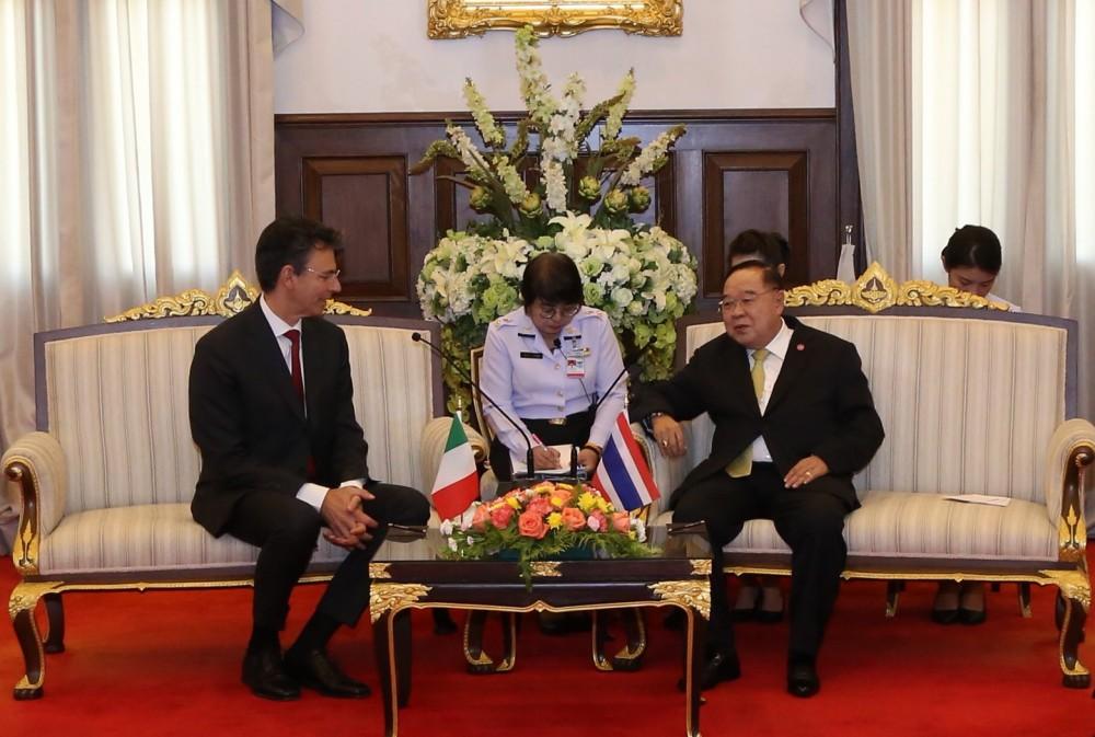 รอง นรม. และ รมว.กห. ให้การต้อนรับการเยี่ยมคำนับของ เอกอัครราชทูตสาธารณรัฐอิตาลี ประจำประเทศไทย